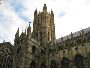 Canterbury_Cathedral_from_the_cloistersblog