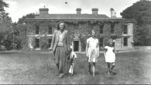 daphne-du-maurier-and-children-menabilly