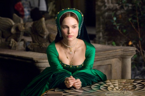 In Columbia PicturesÕ/Focus FeaturesÕ The Other Boleyn Girl, Anne Boleyn (Natalie Portman, pictured) schemes not only to take the bed of King Henry VIII, but to become queen as well.  The film is directed by Justin Chadwick from a screenplay by Peter Morgan, based on the novel by Philippa Gregory.  Alison Owen produces.  Executive producers are Scott Rudin and David M. Thompson.