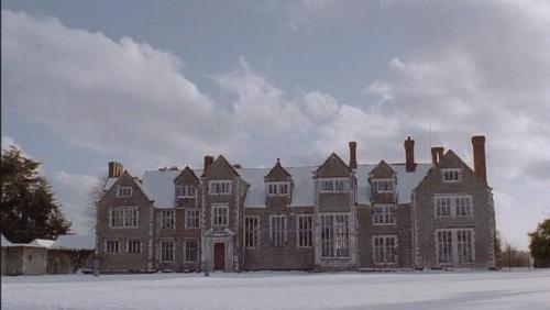 donwell-abbey-snow